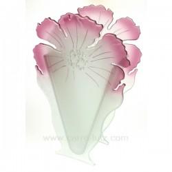 vase triangulaire en verre forme fleur , reference CL18000035