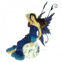 Fee assise sur boule bleue Thème lutin sorcière et fée CL47000119, reference CL47000119