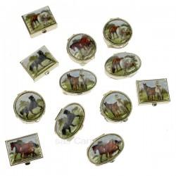 Boite à pillule décor chevaux forme ovale ronde ou carré décor suivant arrivage en métal et porcelaine, reference CL85004012
