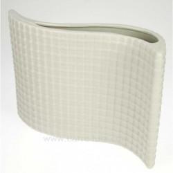 Vase moderne blanc en porcelaine longueur 23.5 cm, reference CL18000017