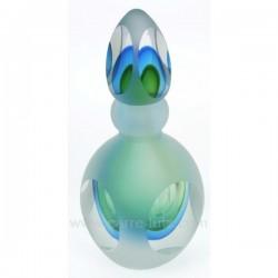 Flacon de parfum en verre soufflé couleur dominante vert, reference CL21041001