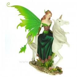 Fee sur licorne aile verte Thème lutin sorcière et fée CL47000117, reference CL47000117