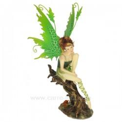 Fee assise sur arbre Thème lutin sorcière et fée CL47000118, reference CL47000118