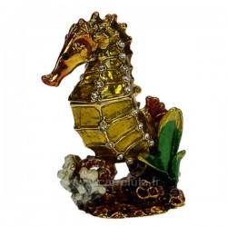 Boite métal émaillé avec cristaux décor hippocampe, reference CL85002075