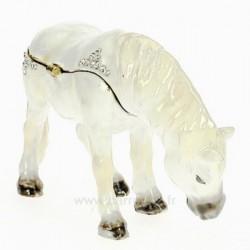 Boite métal émaillé avec cristaux décor cheval blanc, reference CL85002077