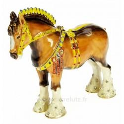 Boite métal émaillé plaqué or avec cristaux australien décor cheval de trait avec bijoux, reference CL85002079