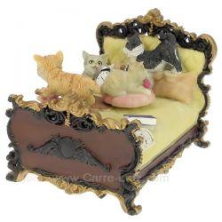 Lit avec chats en résine , reference CL50231131